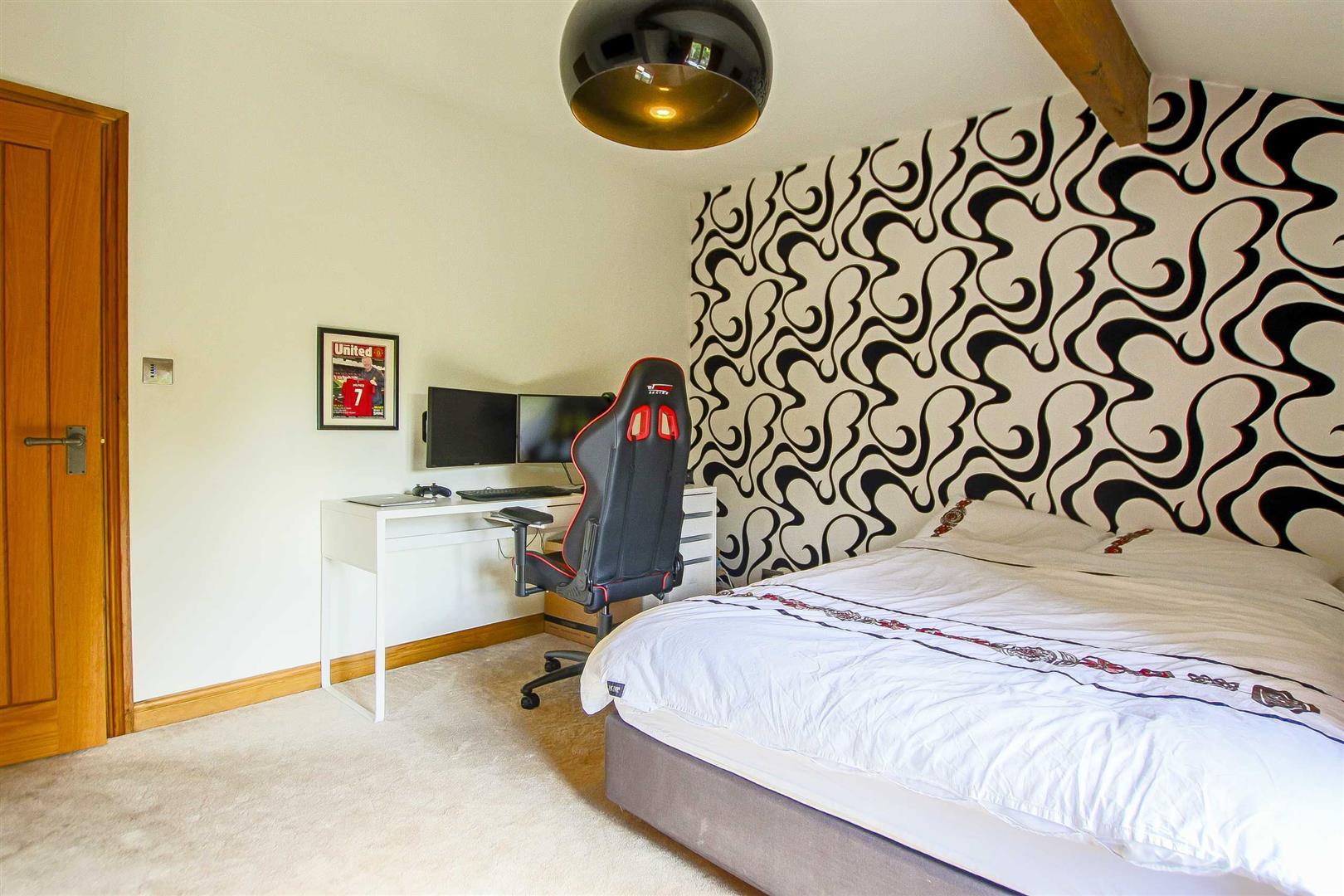 5 Bedroom Cottage For Sale - Image 44